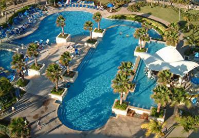 Builders of swimming pools